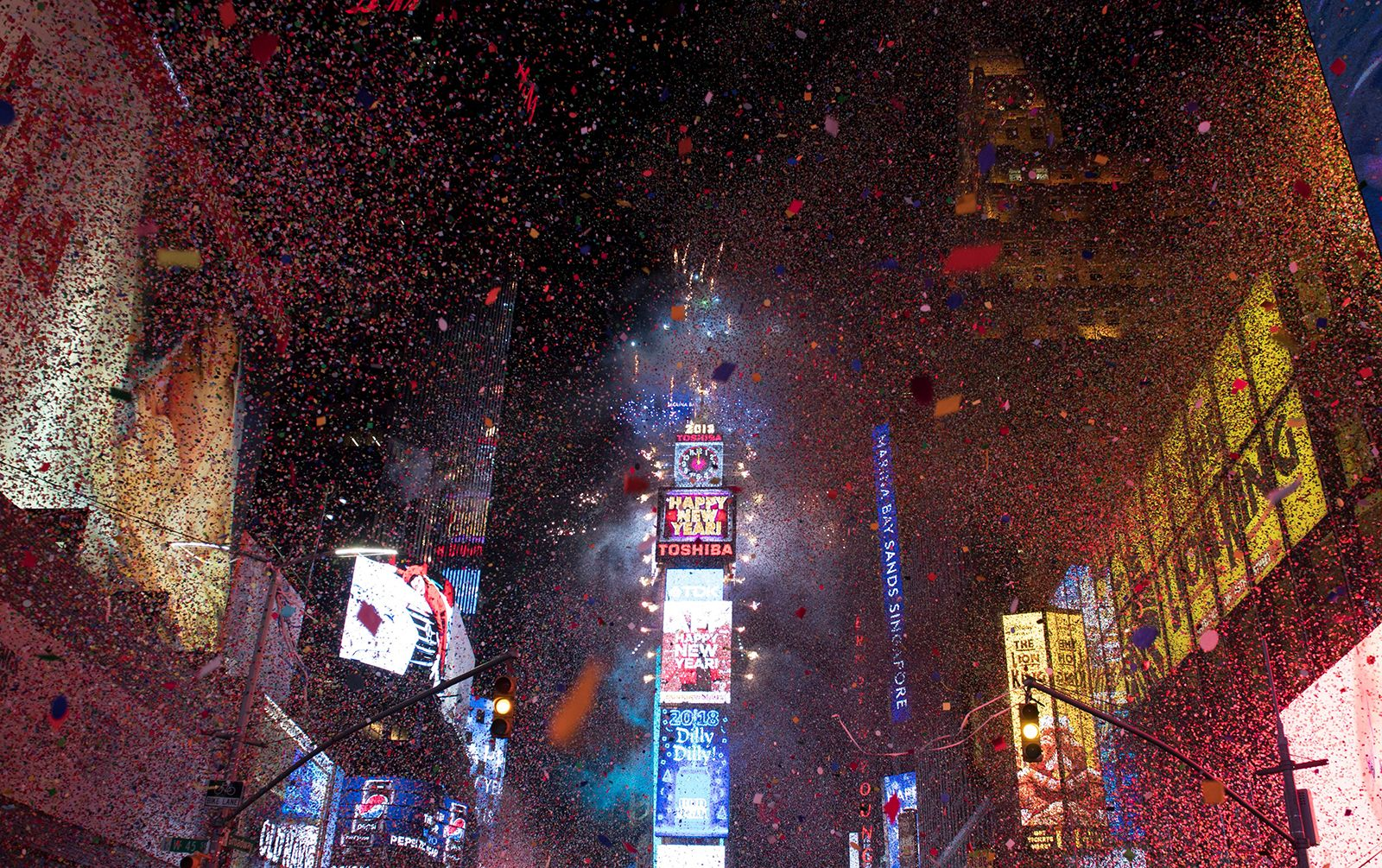 Times Square Will Host Virtual New Year S Eve Ball Drop In 2020 Times Square Ball Drop New Years Eve Ball New Years Ball