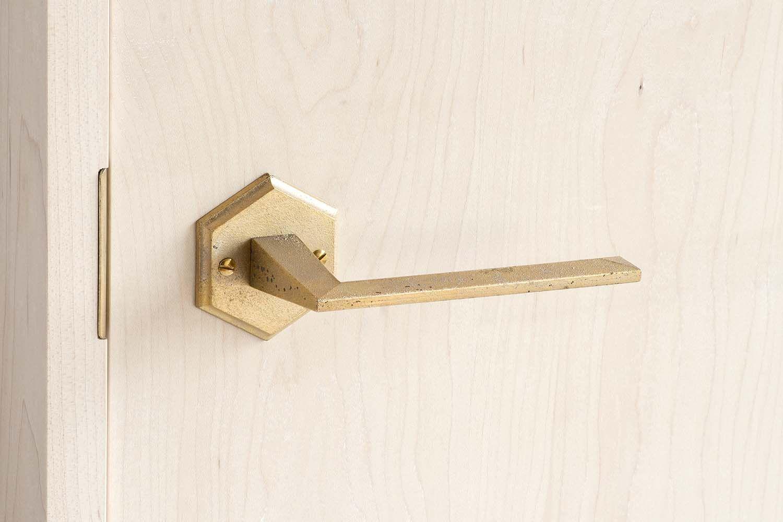 レバーハンドル / MATUREWARE by FUTAGAMI / 真鍮鋳肌の建築金物