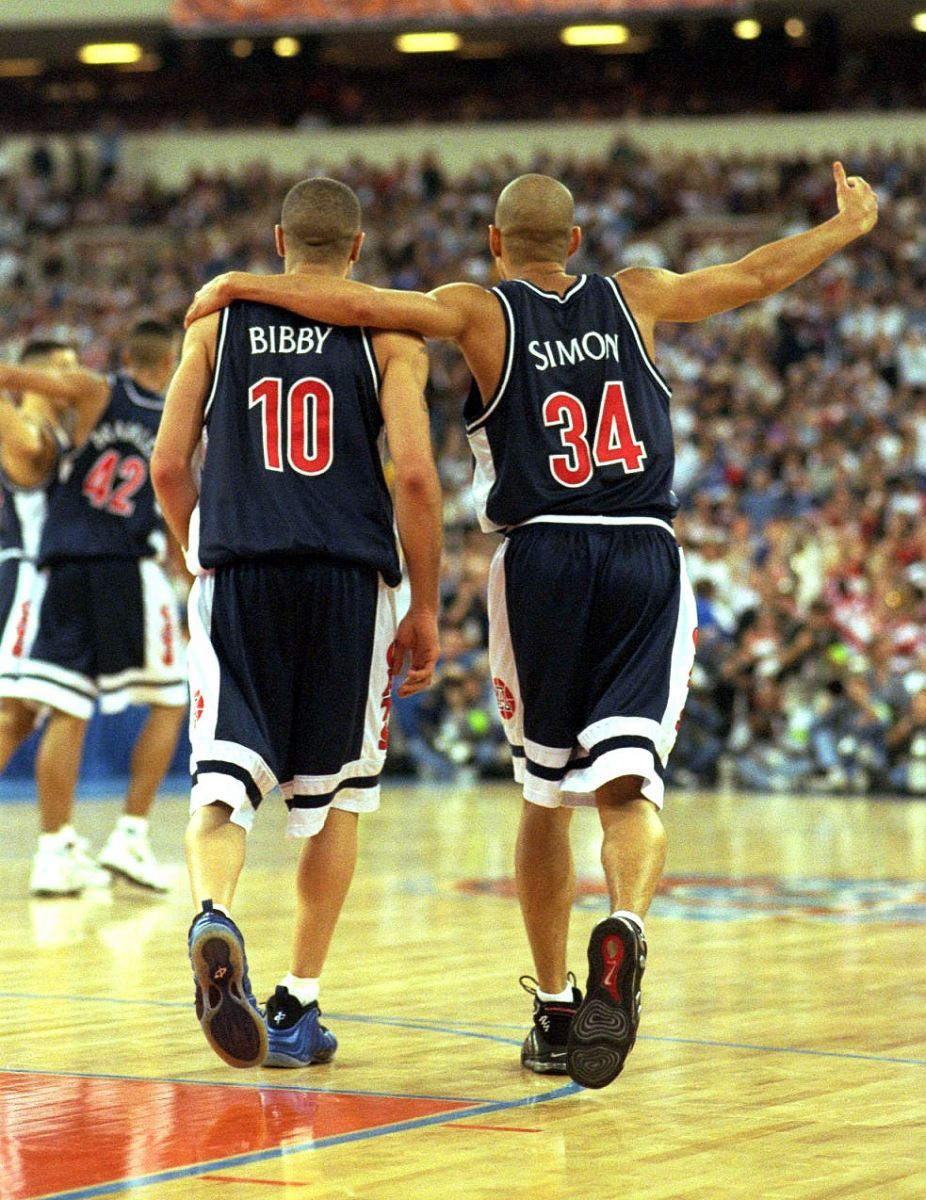 Flashback Mike Bibby in the Nike Air Foamposite e
