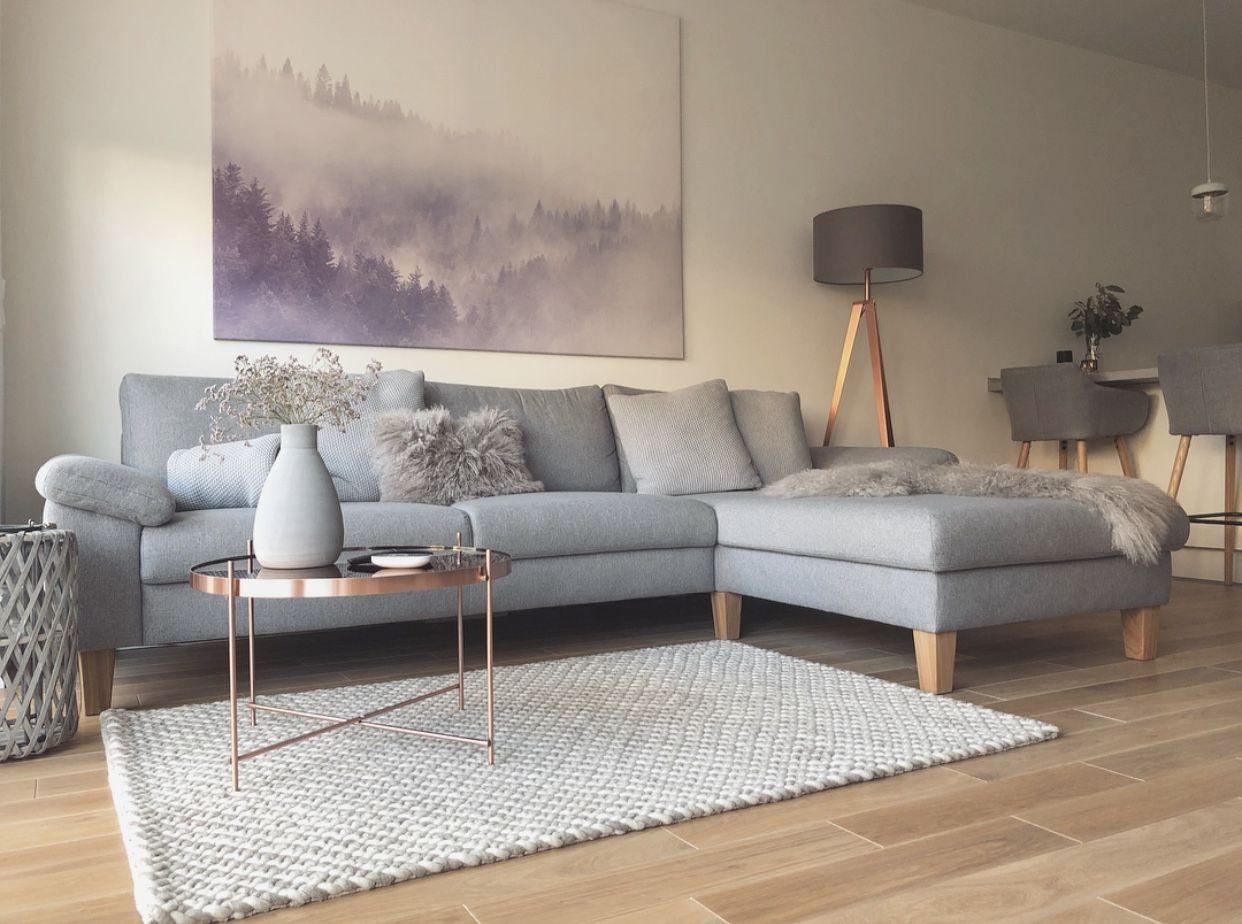 Wohnzimmer grau, Kupfer Details   Wohnzimmer grau, Einrichtungsideen wohnzimmer grau, Couch grau ...