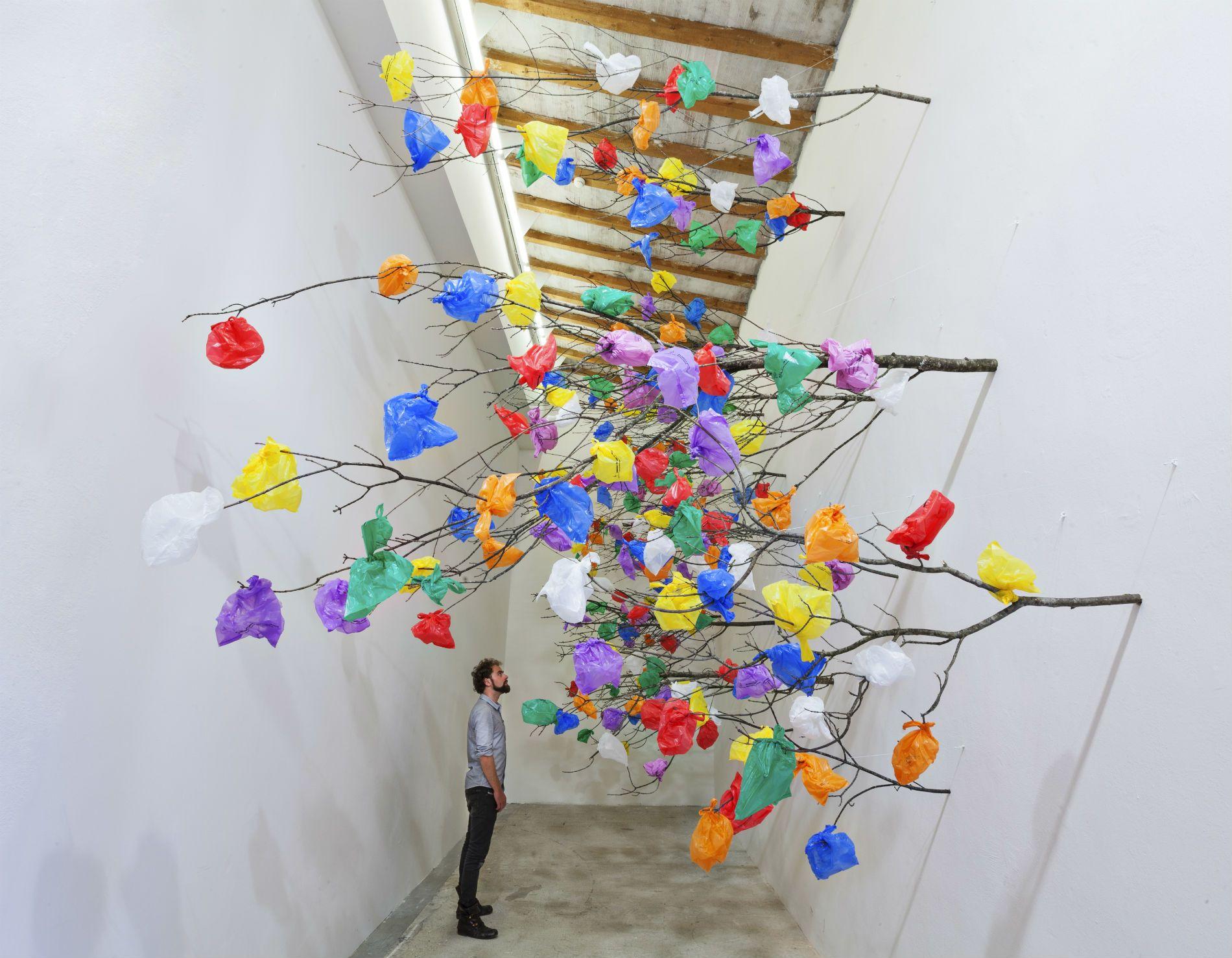 Color art dubai - Artist
