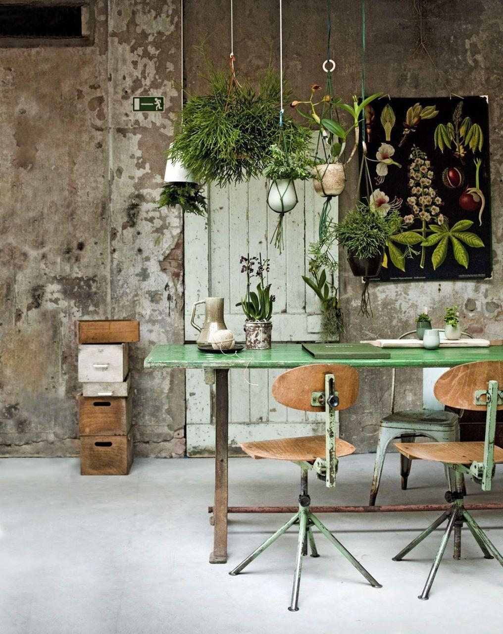 Get your vintage industrial decor for your vintage garden