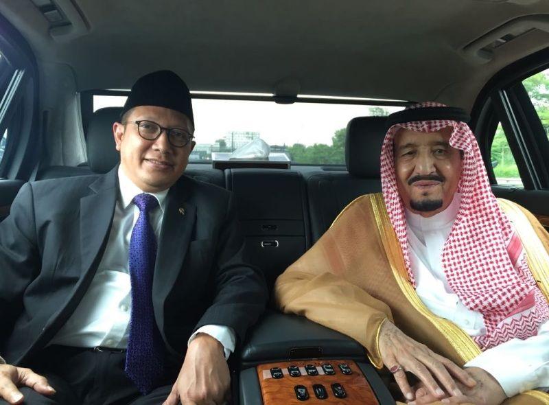 Menag Lukman mendampingi Raja Salman dalam perjalanan dari Bandara Halim menuju Istana Kepresidenan Bogor JAKARTA ,03 Maret 2017– Menteri Agama Lukman Hakim Saifuddin tampak berada satu mobil…
