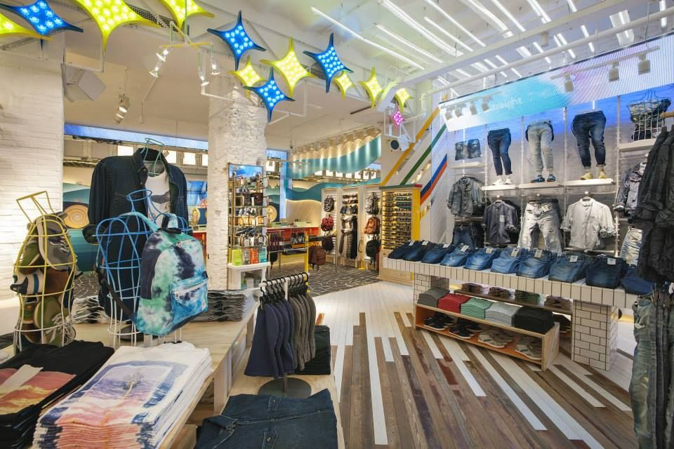 Tienda Pull & Bear en Portal del Ángel, Barcelona. « Diseño de ...