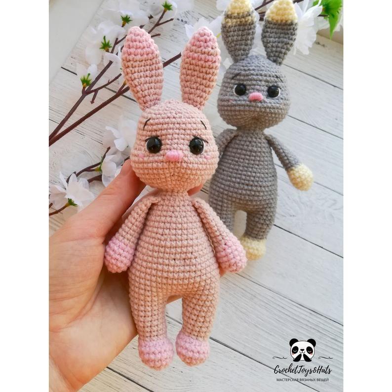 Free Crochet Pattern Bunny Amigurumi - thefriendlyredfox.com | 794x794