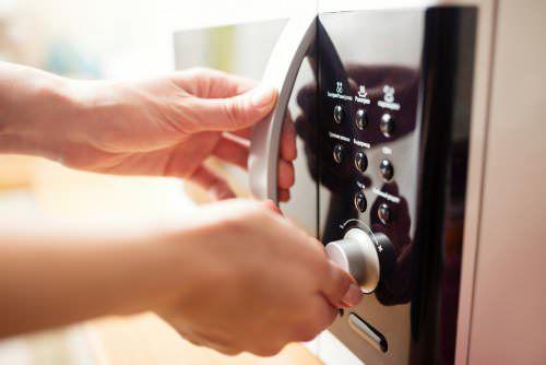 9 απίστευτα κόλπα για τον φούρνο μικροκυμάτων  #χρήσιμα