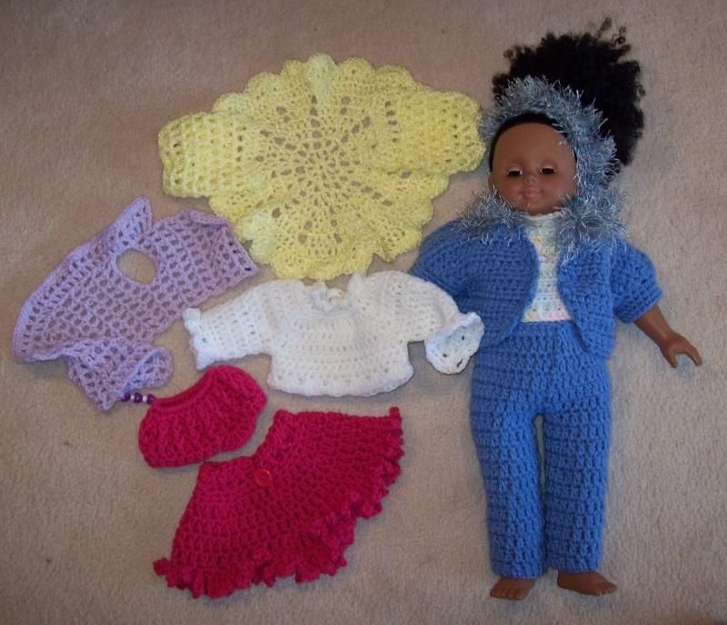 Free crochet pattern for American Girl or 18 doll. PDF link | Roupas ...