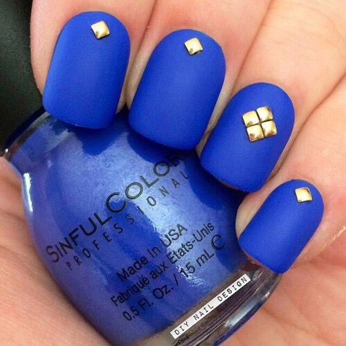 Royal Blue Matte Nail Art