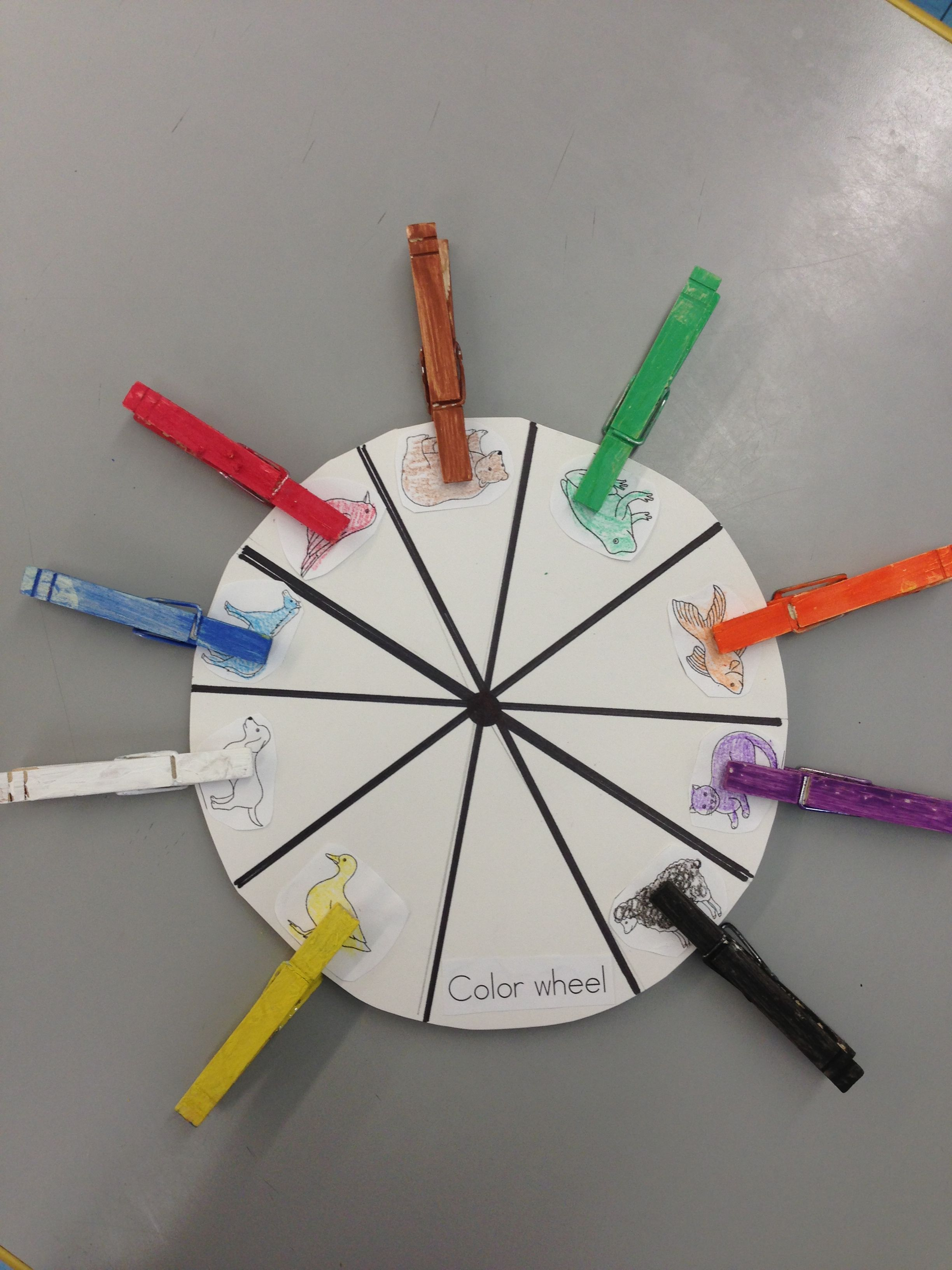 Brown Bear Color Wheel With Clothes Pins