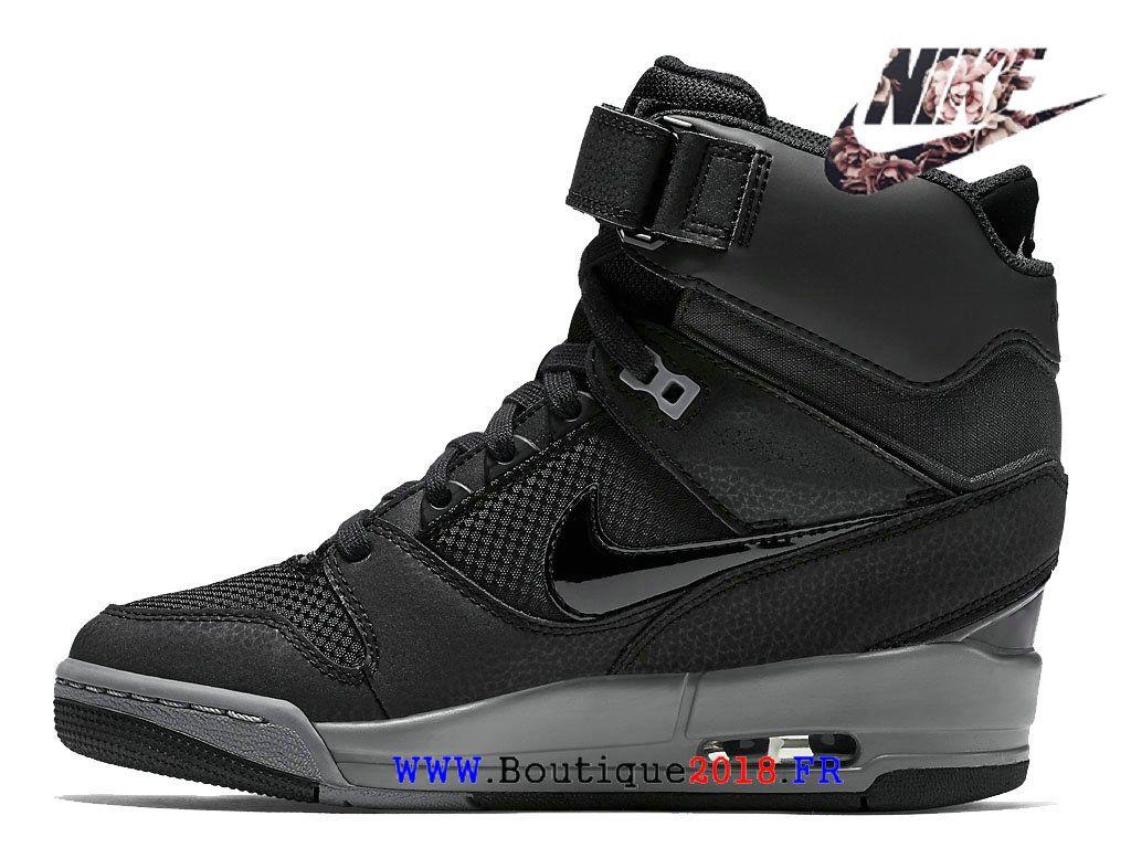 cheap for discount 11bf5 6be38 Chaussures compensées Nike Air Revolution Sky Salut Liberty QS pour femmes  Armory Navy   Vachetta Tan Noir Noir Bleu-gris 599410-017