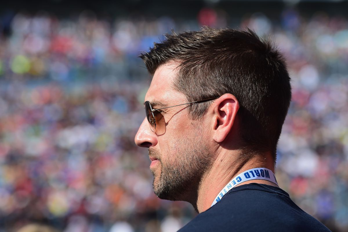 Aaron Rodgers Haircut Google Search Aaron Rodgers Nfl Green Bay Packers