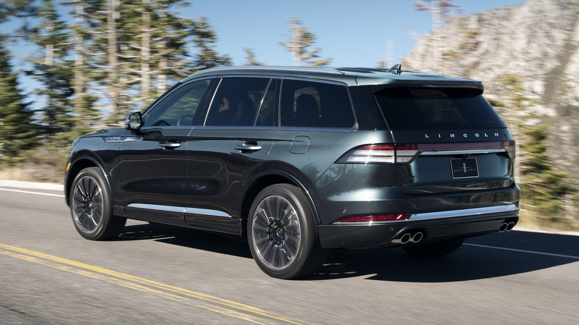 2020 lincoln aviator vs volvo xc90 release date and specs