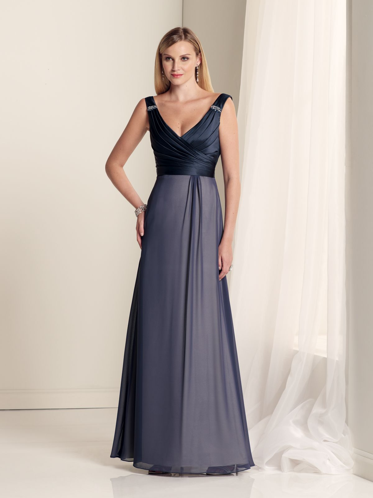 Sleeveless satin and chiffon aline gown with vneckline hand