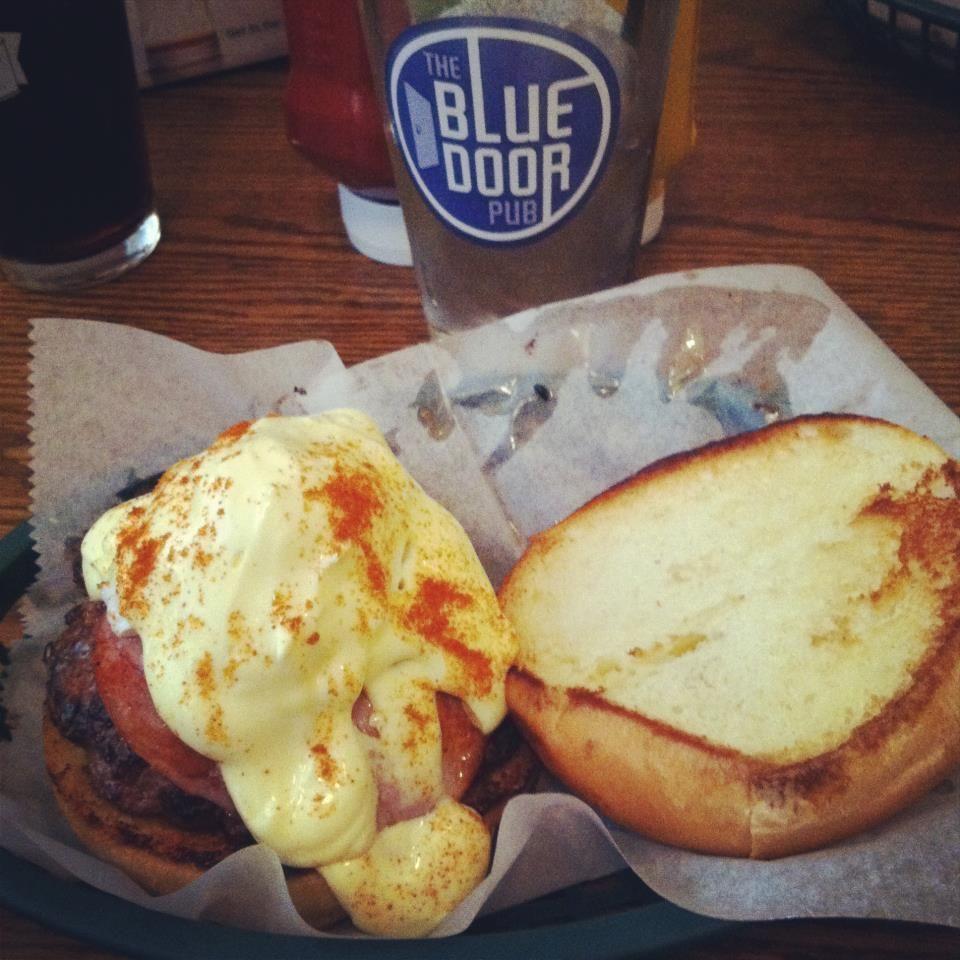 Minneapolis The Blue Door Pub Longfellow Delicious Burgers Food Recipes