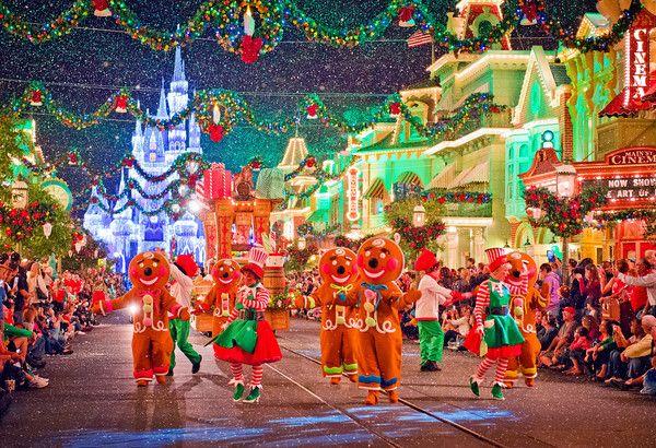 Disneyland Paris At Christmas 2019.November 2019 At Disney World Disney Parks Disney World