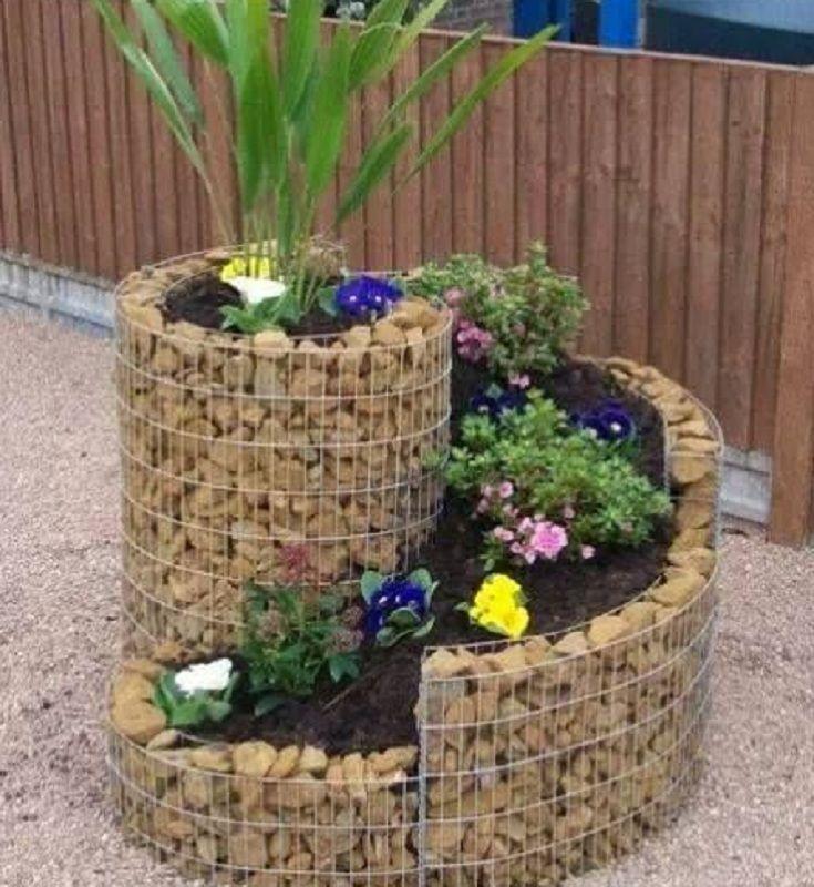 Simple Rock Garden With Decorative Flower Bed Unique 400 x 300