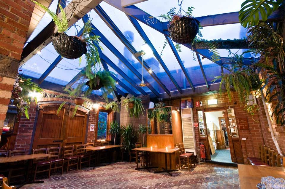 Hire cheap Melbourne function rooms and birthday party