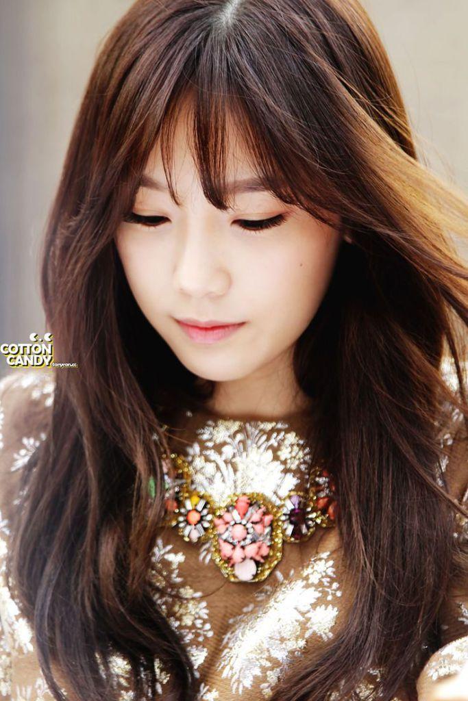 Korean Kpop Girl Group Snsd See Through Wispy Bangs For Korean Asian Kpop Idol Women See Through Bangs Hairstyles Kpop Hair See Through Bangs Korean Hairstyle