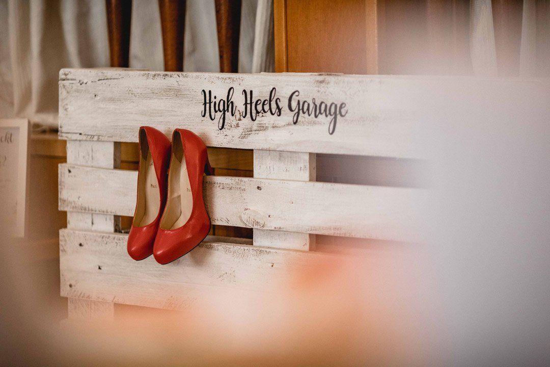 High Heels Garage bei der Hochzeit #hofideen
