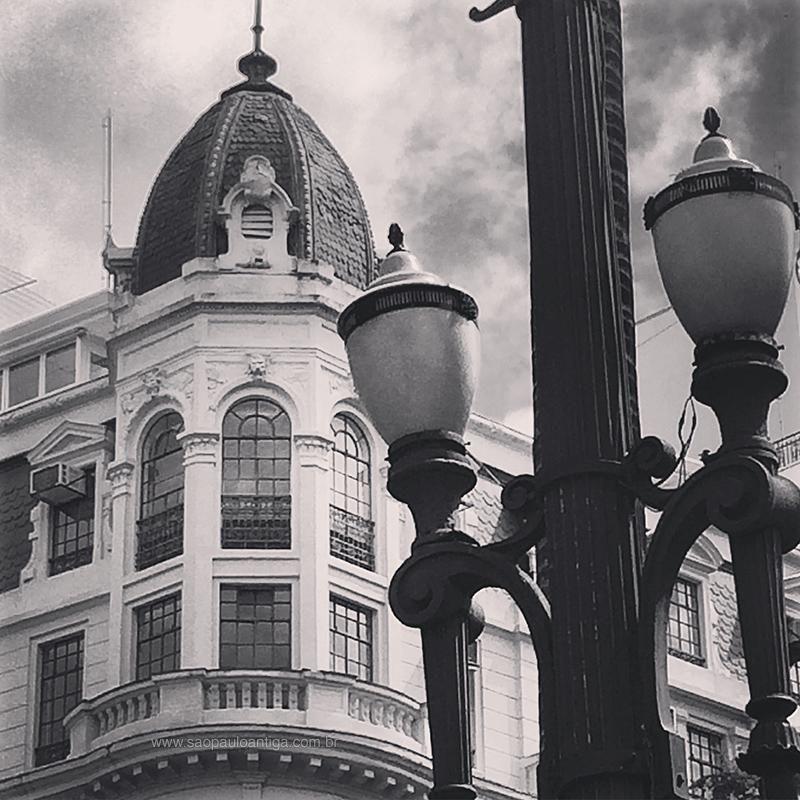Detalhe de edifício na Praça da Sé