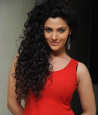 22 Indian Celebrities With Curly Hair Curlsandbeautydiary Curly Hair Celebrities Long Hair Styles Curly Hair Styles
