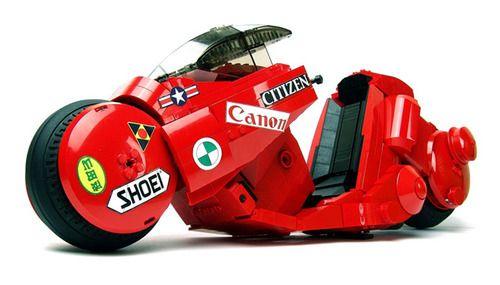 ca-tsuka:  LEGO version of Kaneda's motorcycle (Akira) by Arvo...
