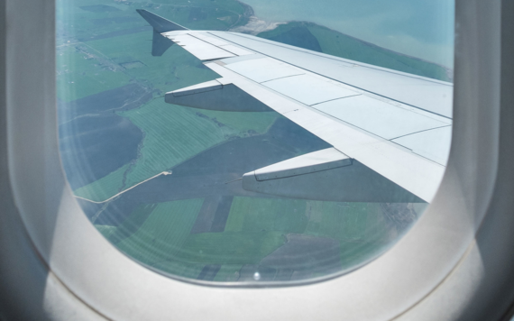 So That S Why There S A Tiny Hole In Airplane Windows Airplane Window Travel Leisure Travel