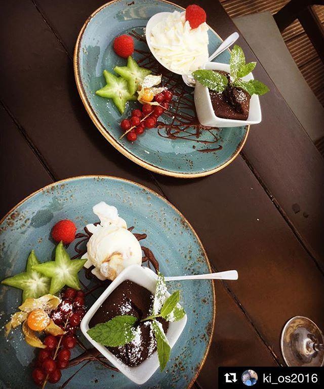 Heute ist Schokokuchen-Wetter! #nachtischgehtimmer #schokokuchenliebe #tastyfood #samoaseepferdchen #sylt #restaurant #soulfood #inselliebe  Yummery - best recipes. Follow Us! #tastyfood