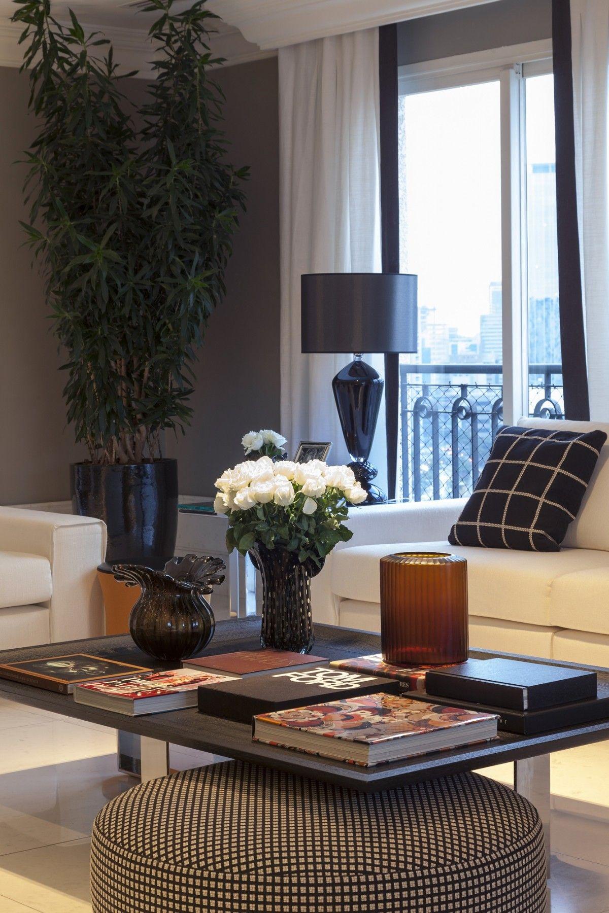 Christina Hamoui A F House Styling A Coffee Table J  # Muebles Eh Elegant House