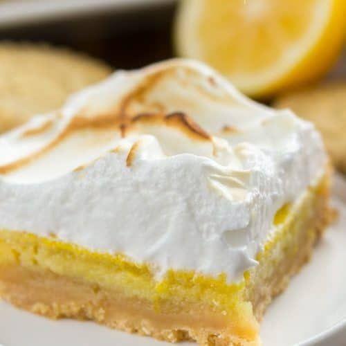 Lemon Meringue Pie Bars {Shortbread Crust} - Crazy for Crust #lemonmeringuepie