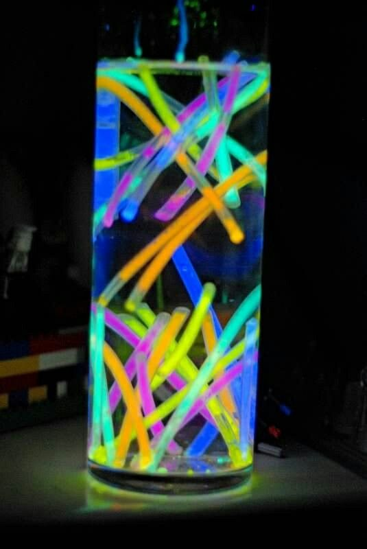 Glow Sticks In A Vase With Water Flourescent Party Ideas