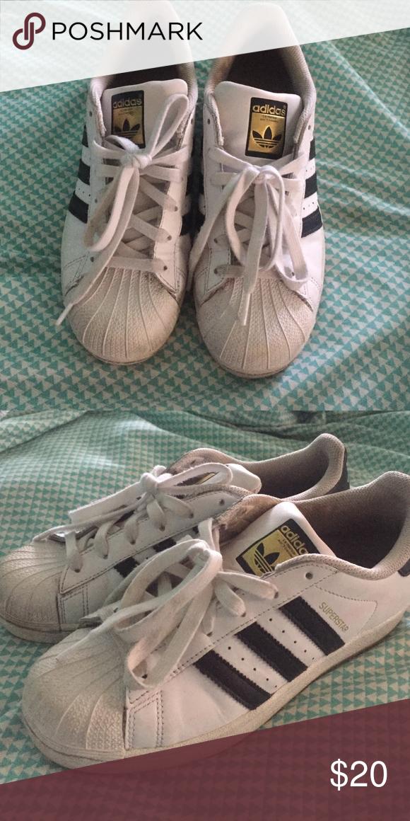 Used adidas superstars Adidas superstar tennis shoe in black