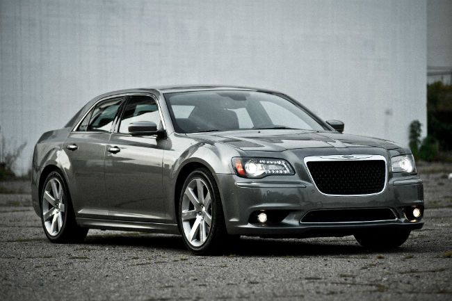 2018 chrysler cars. delighful cars 2018 chrysler 300 spy shots on chrysler cars