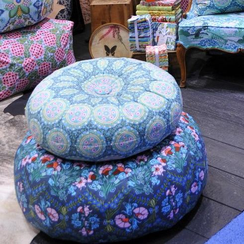 Honey Bun Poufs In Amy Butlers Booth At Quilt Market Pattern Awesome Amy Butler Pouf Ottoman