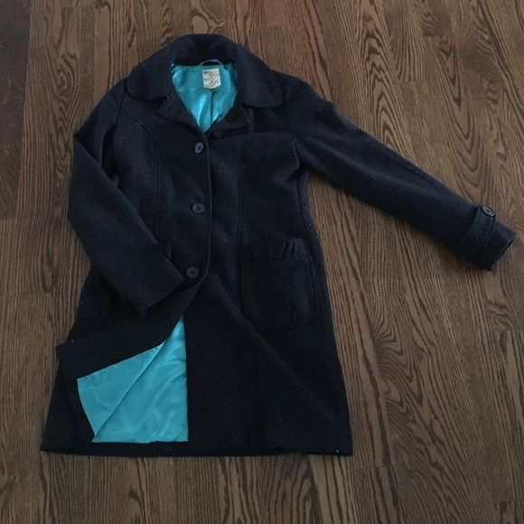 Tulle Dress Coat Navy coat with teal, speckled accents, very pretty!!! I love the gathered pockets on this coat. In great condition, like new! It's made with 30% wool, 60% polyester, and 10% acrylic. The bright teal lining is silky smooth and made with 100% polyester. Tulle Jackets & Coats Pea Coats