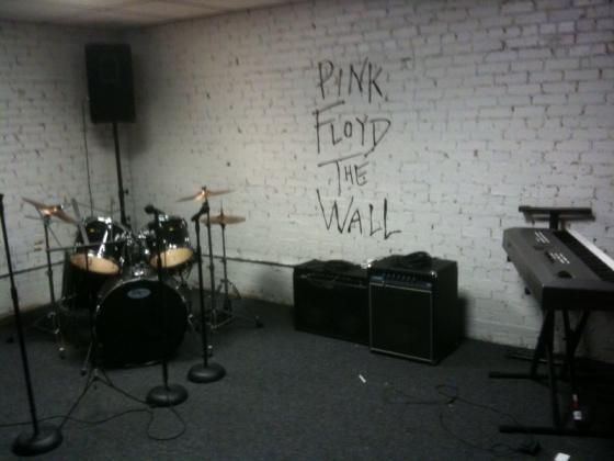 Pink Floyd S The Wall Room At School Of Rock