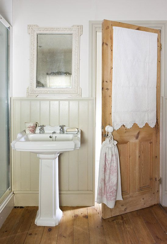 French style in an English cottage | bagni | Pinterest | English ...
