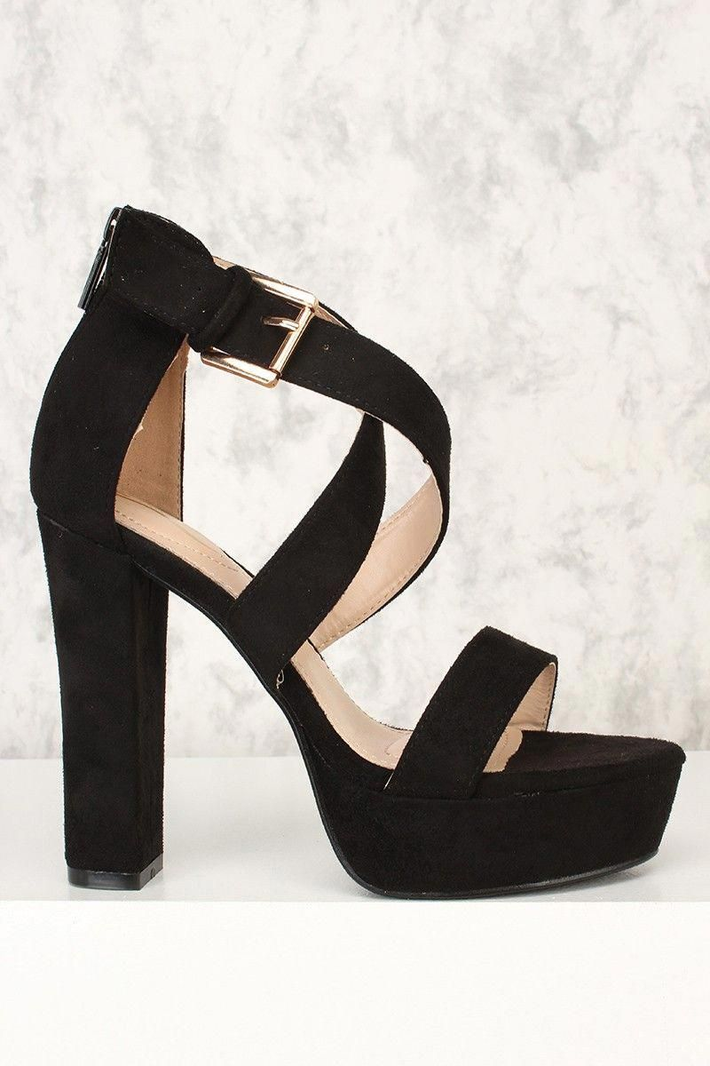 b41f910cd These platform pumps are a must have for a special night! Featuring ...