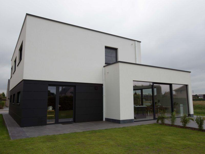 Nieuwbouw vrijstaande woning ypsilon architecten witte crepi antracietkleurig - Moderne buitenkant indeling ...