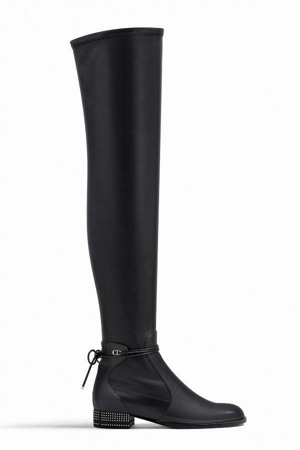 Cuissardes à clous de Christian Dior   shoes   Boots, Black boots et ... 63cb54f4327