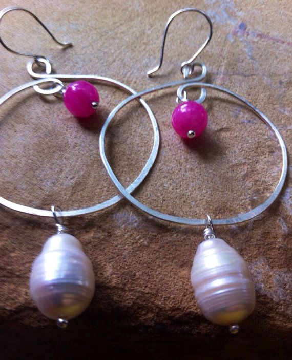 Hey, I found this really awesome Etsy listing at https://www.etsy.com/listing/152038069/freshwater-pearl-and-pink-bead-silver