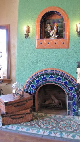 Mexican Tile And Stone Company Imports Clay Ceramic And Custom Tiles Gallery Art Mosaics