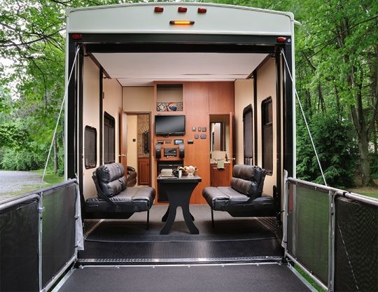 2015 Forest River Vengeance 39b Fifth Wheel Toy Hauler Enclosed