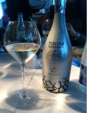 Botella de vino espumoso Marina Espumante
