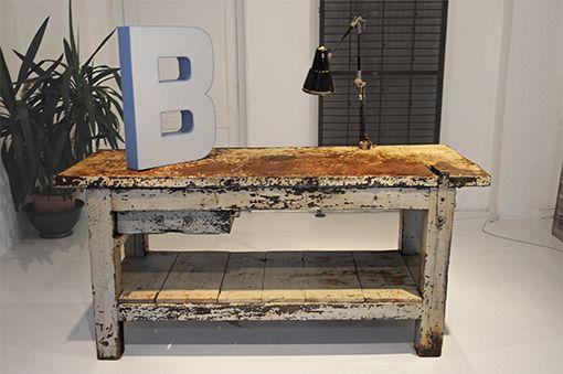 Interior design recupero tavolo utilizzato in una vecchia for Piastrelle 200x100