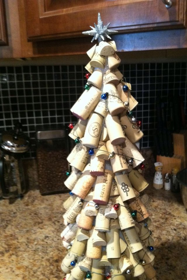 Wine Cork Christmas Tree.Wine Cork Christmas Tree Made By My Cousin Very Crafty