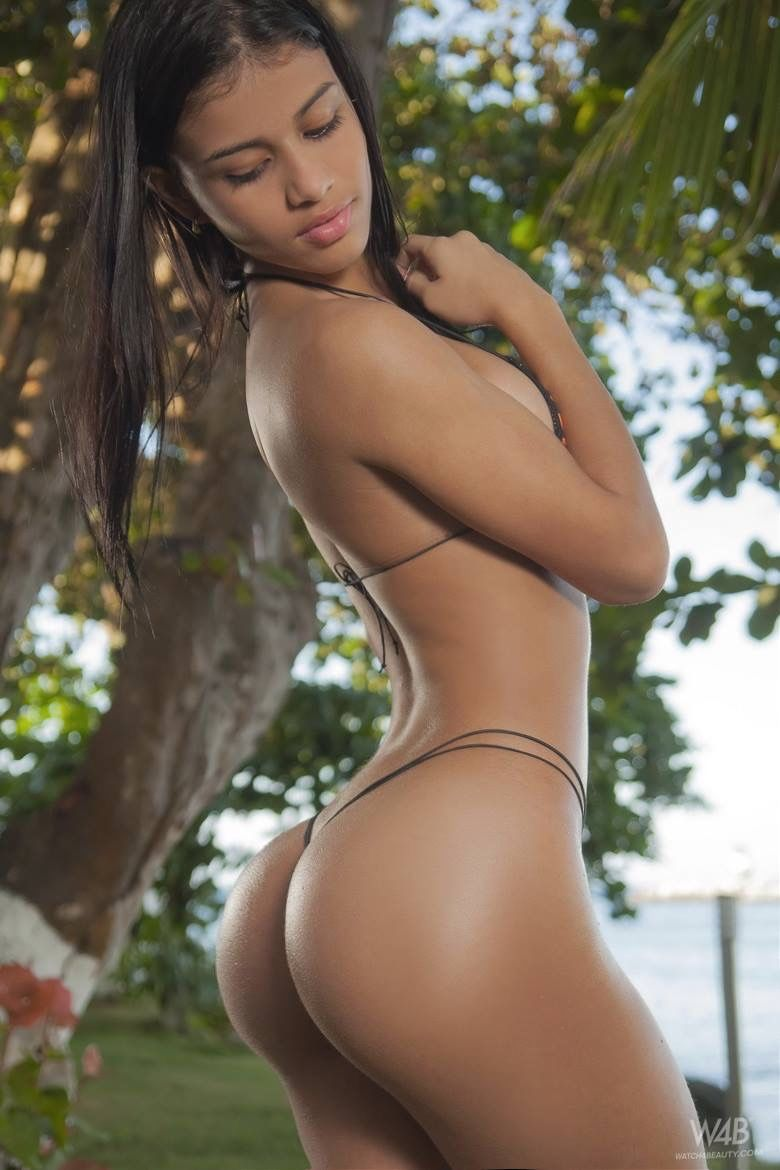 pimpandhost.com uploaded on 2016 AM ~~~] 1000+ images about Cakez on Pinterest | Dolly castro, White girls and Female sports