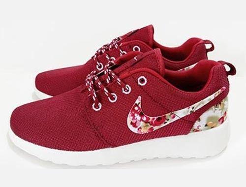 Nike Roshe One Print Laufschuhe, rote Blume, Nike Schuhe