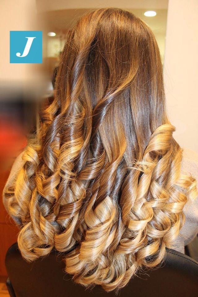 Capelli sani senza eccessi di colorazioni? Solo con la magia del Degradé Joelle! #cdj #degradejoelle #tagliopuntearia #degradé #igers #musthave #hair #hairstyle #haircolour #haircut #longhair #ootd #hairfashion