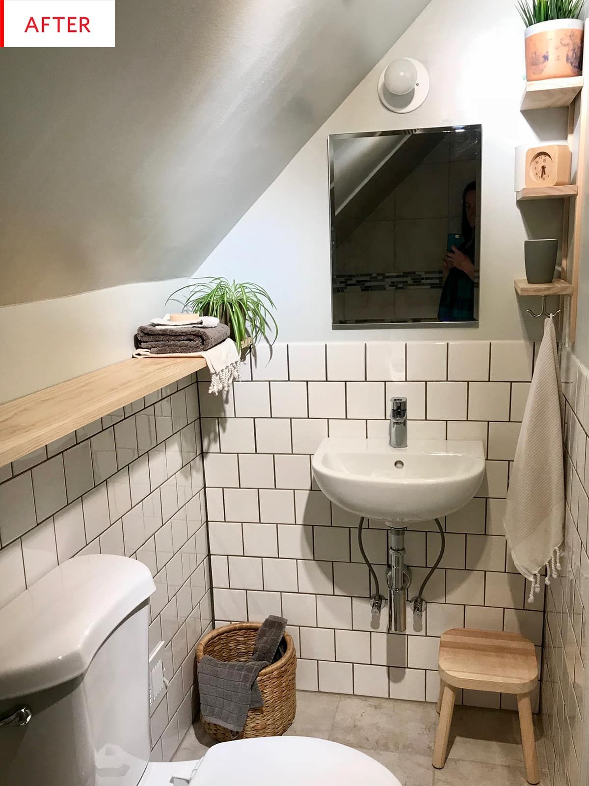 Before And After: This Tiny Bathroom Looks Brand New After Only